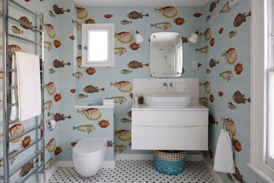 20 beautiful wallpapered bathrooms for Bathroom wallpaper near me