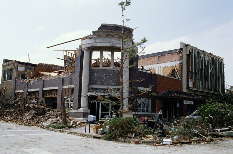 Tornado damage to a commercial buidling
