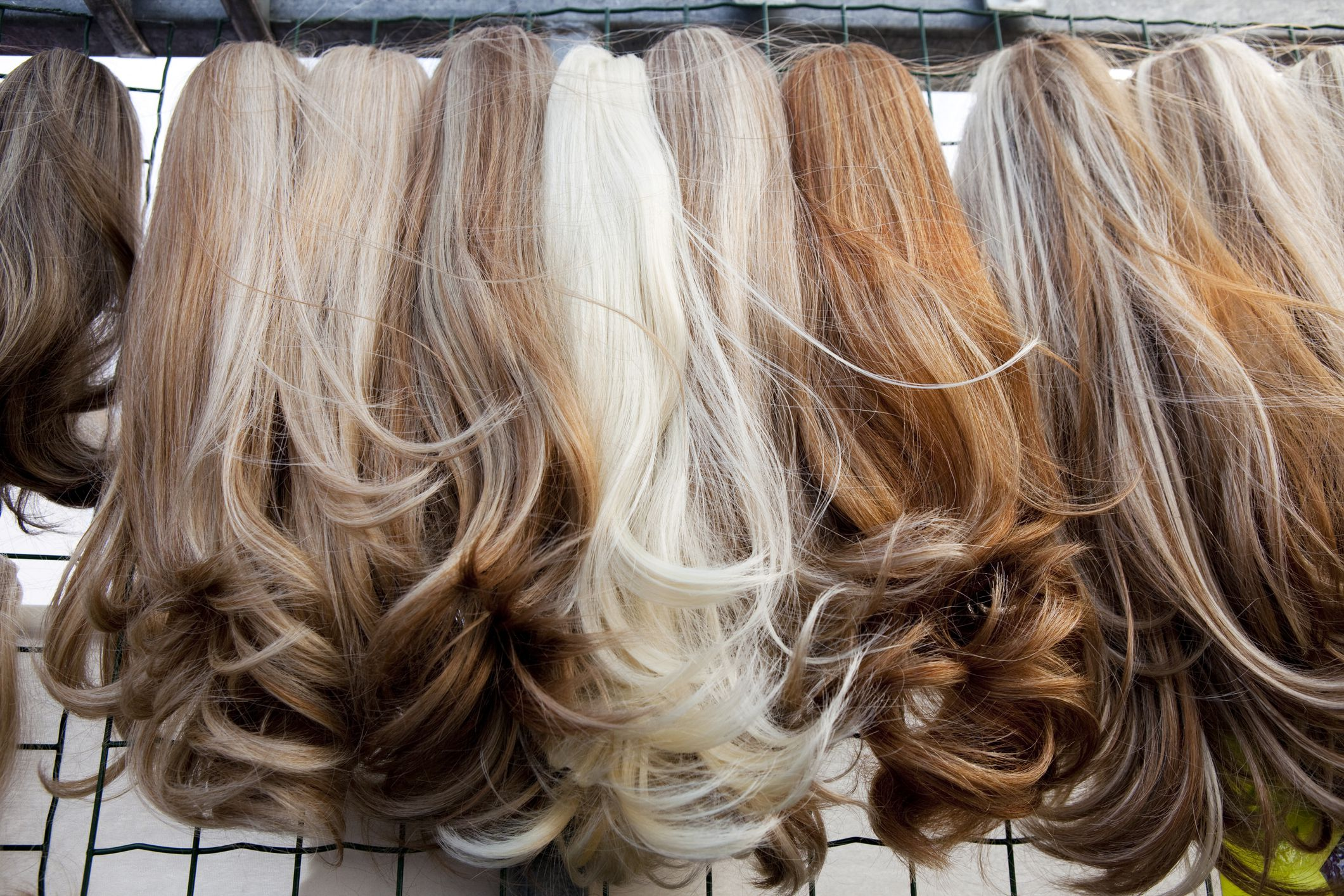 Quality do it yourself hair extensions for short hair policies the how to place clip in hair extensions diy hair extensions image source liveabout solutioingenieria Image collections