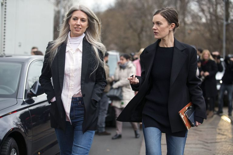 French women street style in jeans