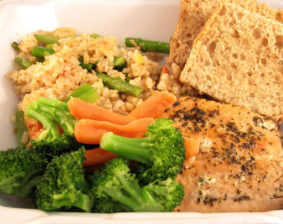 Grilled chicken, steamed veggies, and flavorful brown rice and whole grain bread from Meals From The Heart Cafe.