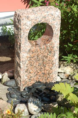 Picture of the completed stone fountain.