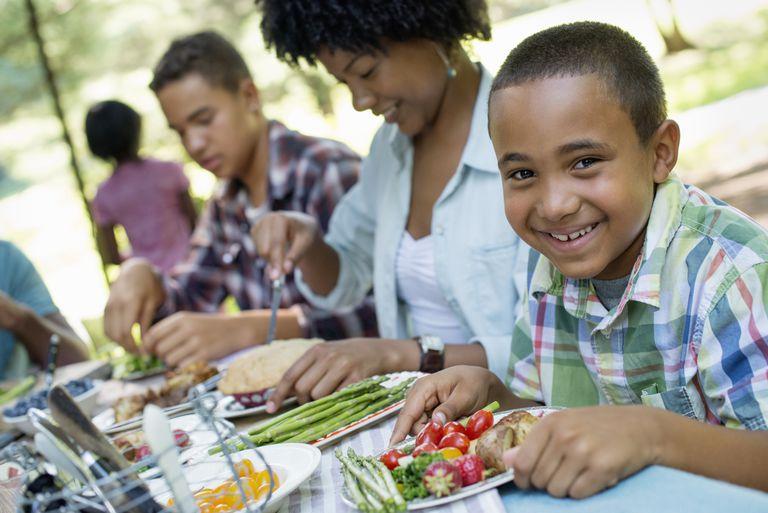 Family goals - eat vegetables together