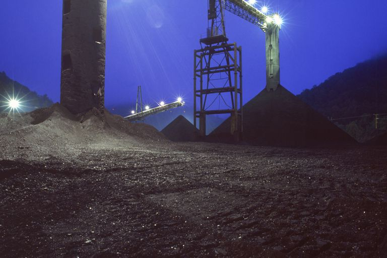 CoalConveyorWV_LonnieDuka_Photolibrary_Getty.jpg