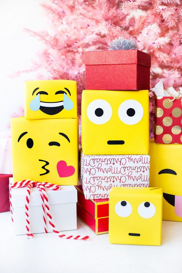 24 easy diy holiday gift wrapping ideas diy emoji gift wrap negle Image collections