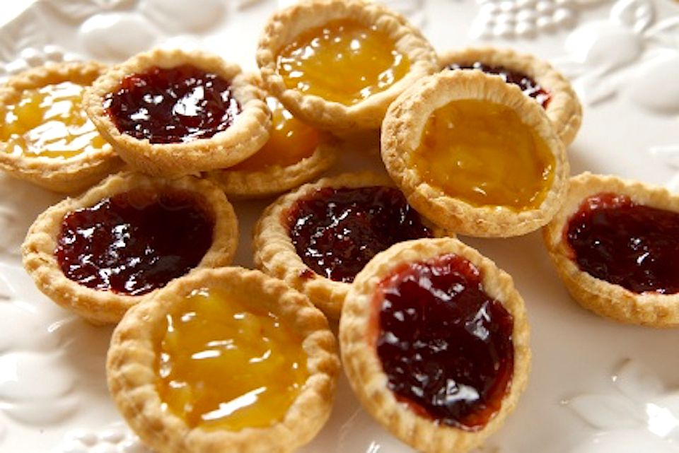 Pie with honey. Recipes, photos, cooking tips