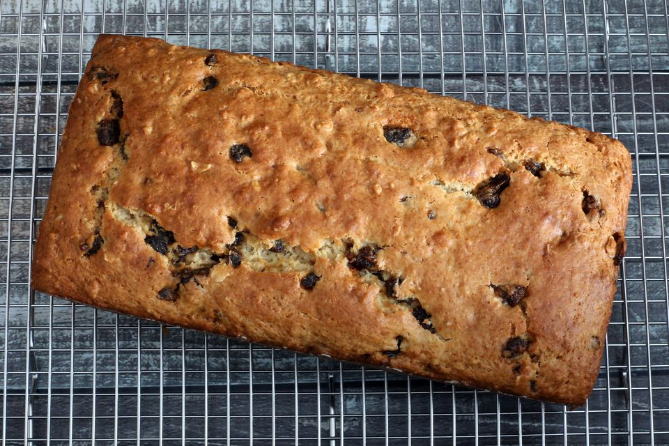 date and oat bread