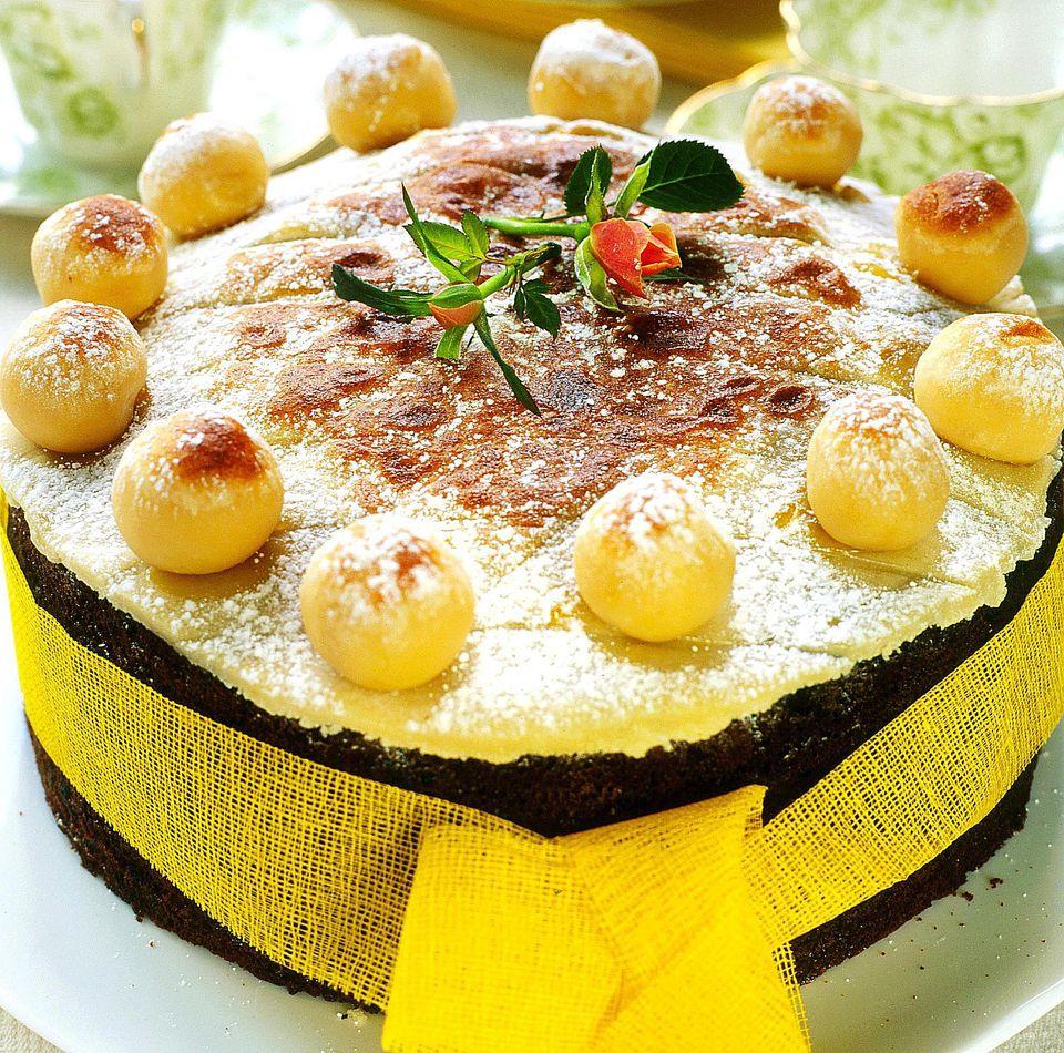 simnel-cake-2000.jpg
