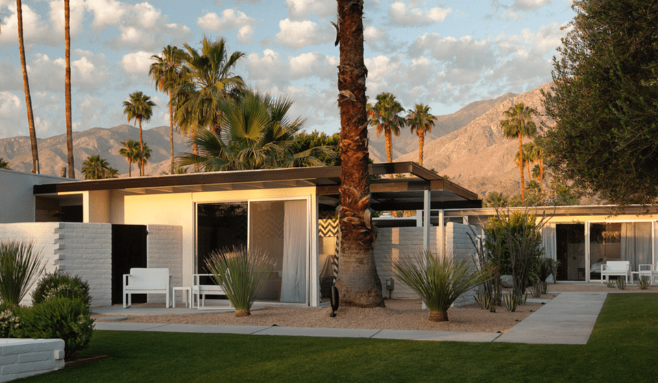 Romantic palm springs hotels you 39 ll love for Palm springs strip hotels