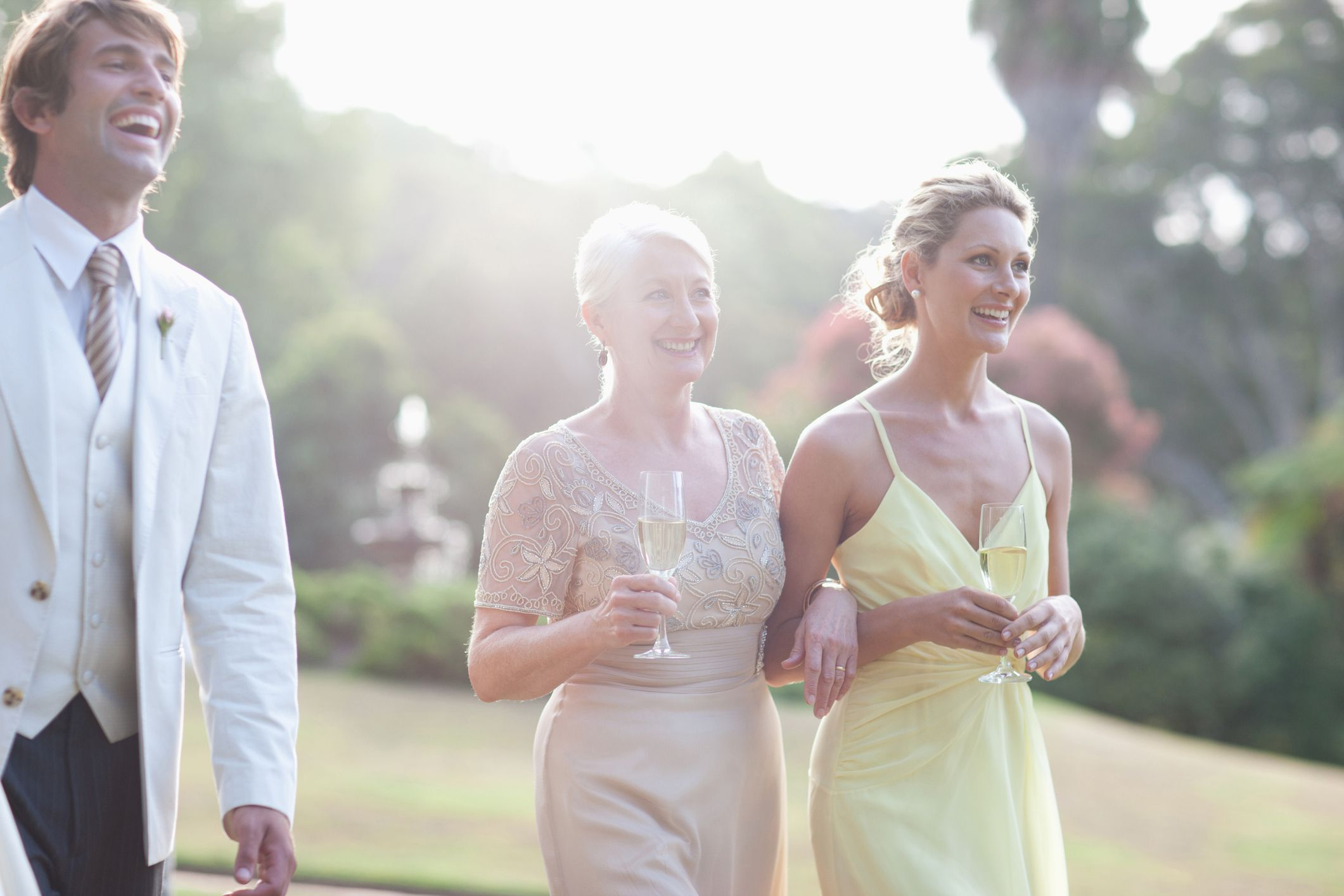 Wedding Etiquette Discover If Guests Should Wear White - Lady worst wedding guest history