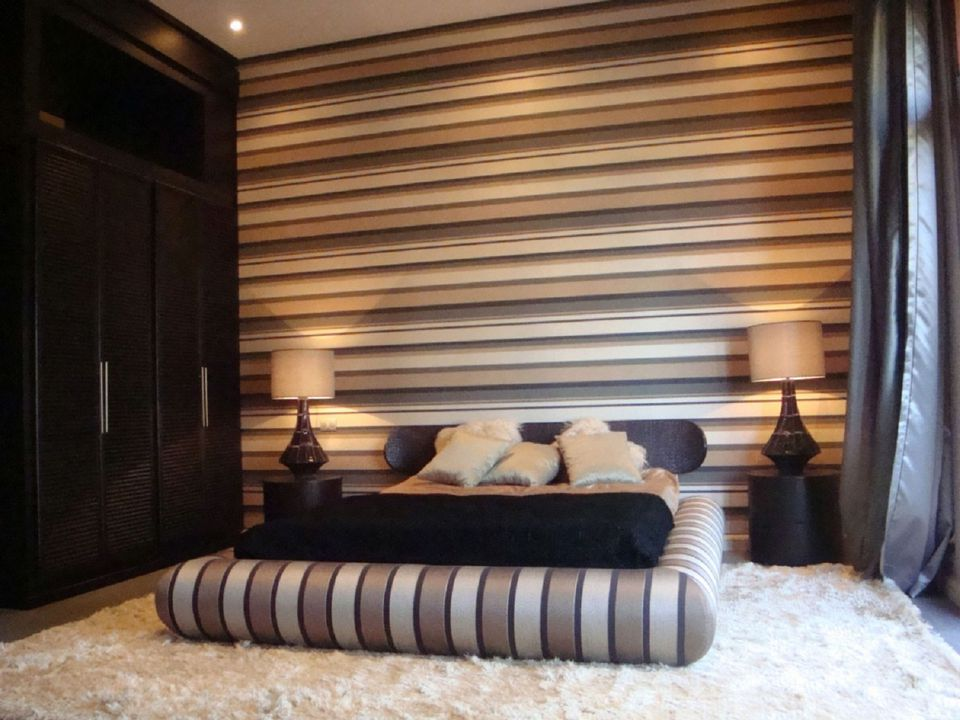 How To Decorate A Bedroom With Striped Walls - Striped accent walls bedrooms