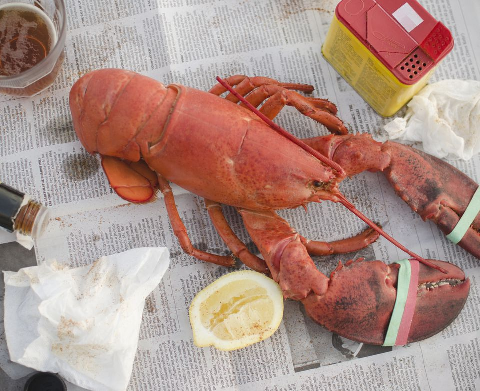 whole-cooked-lobster.jpg