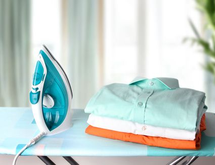 HOW TO IRON CLOTHES WITHOUT ELECTRICITY