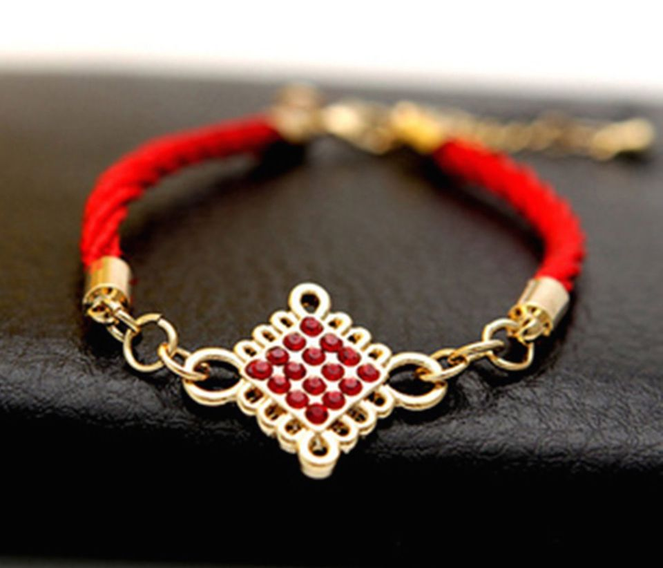 Mystic knot feng shui symbol meaning and use feng shui bracelet mystic knot classical feng shui cure for protection buycottarizona Image collections