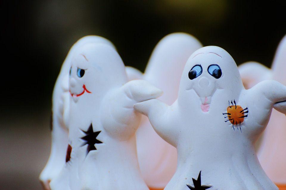 Cute Halloween ghosts