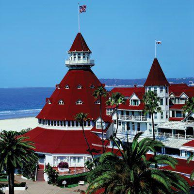 Exterior and beach of Hotel del Coronado