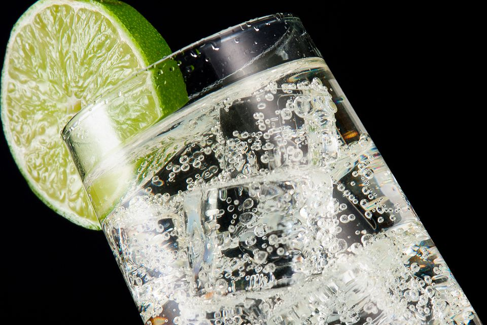 Easy Vodka Tonic Cocktail Recipe