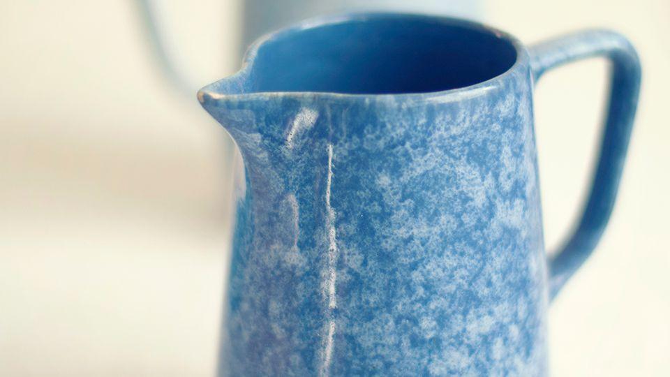 How to Decorate Ceramics with Sponges