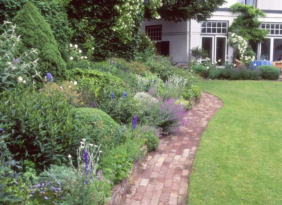 Summer flower garden border ideas purple and white flower border workwithnaturefo