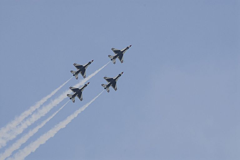Fairchild Air Force Base presents Thunderbirds skyfest 2014