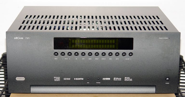 ARCAM FMJ-AVR450 Home Theater Receiver - Photo - Front View