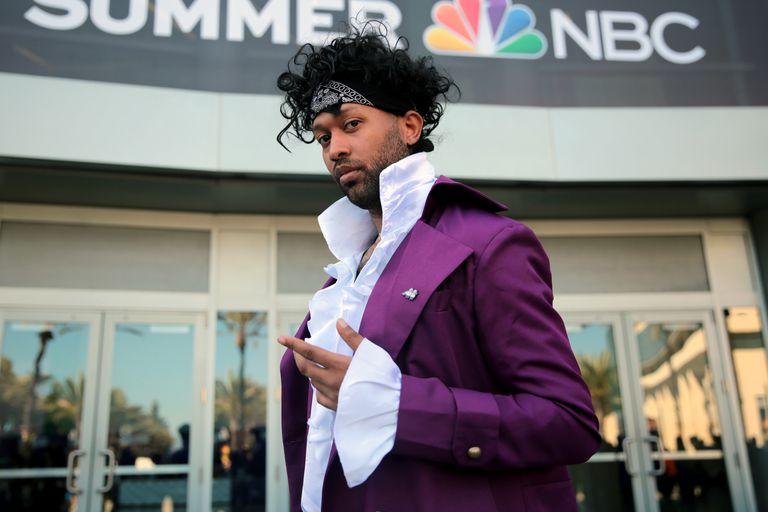 Prince cosplayer