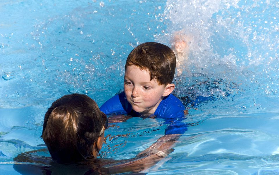 Children swimming lessons in arizona for Swimming pool lessons for kids