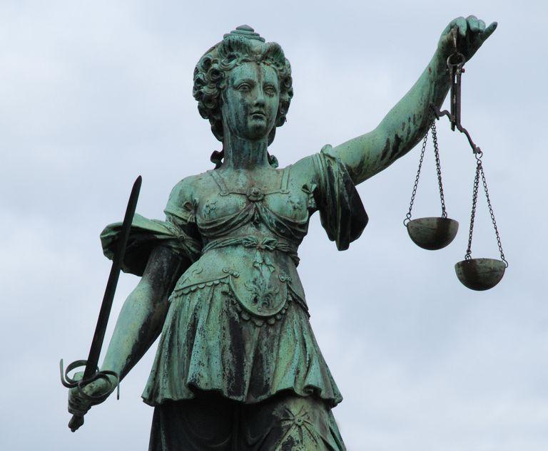 Justitia Statue - Frankfurt
