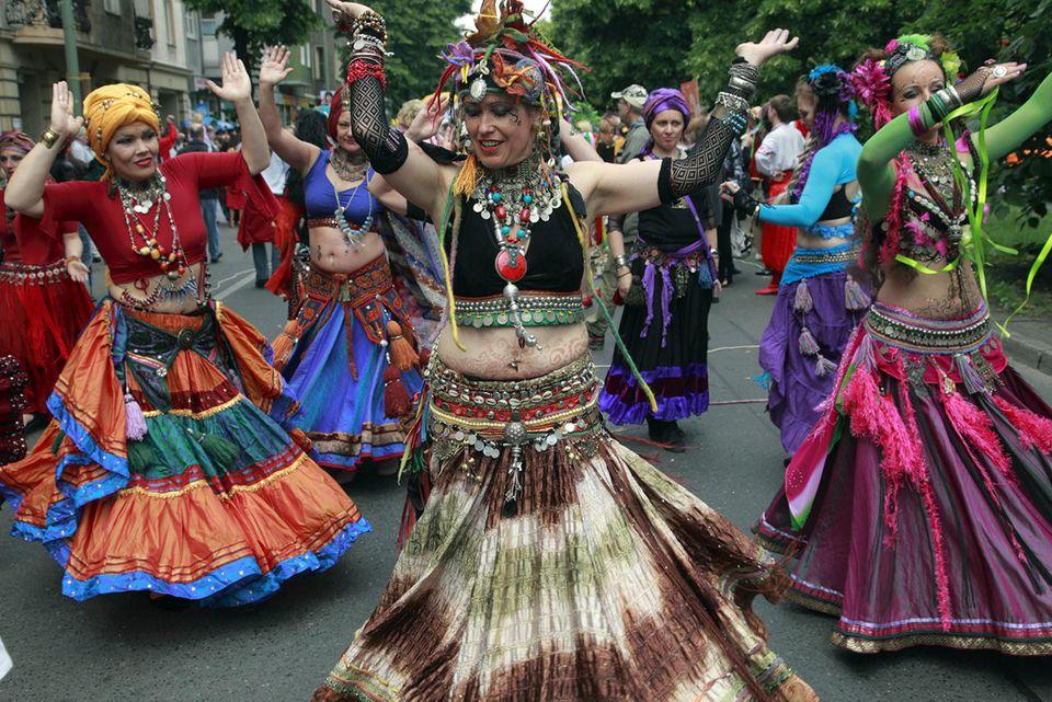 Germany, Berlin, Carnival of Cultures, dancing women