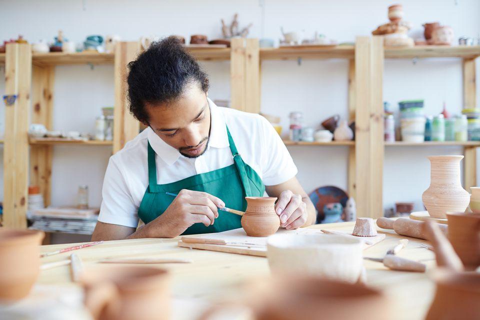 Glazing pottery