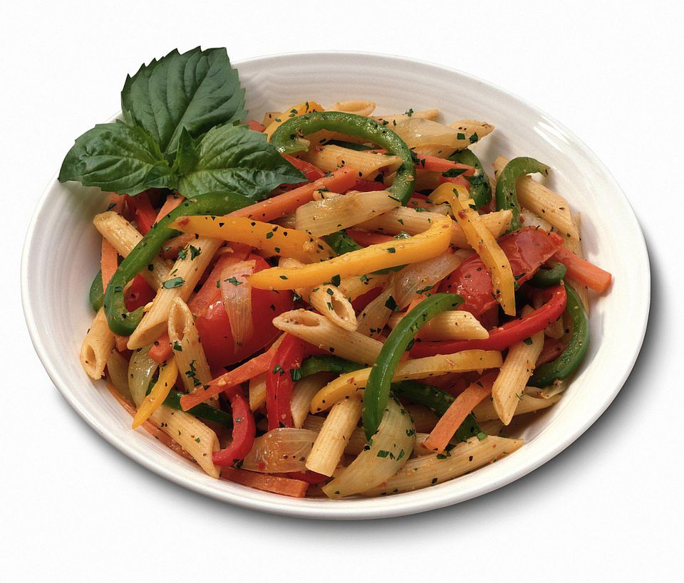 Whole wheat pasta primavera - a vegetarian dinner idea