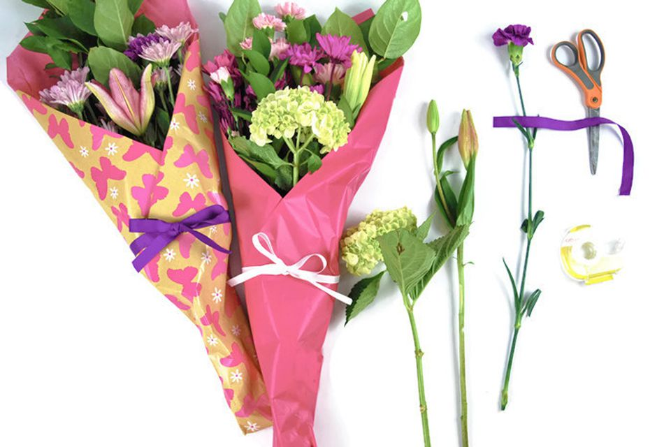 How to gift wrap fresh flowers like a pro mightylinksfo Gallery