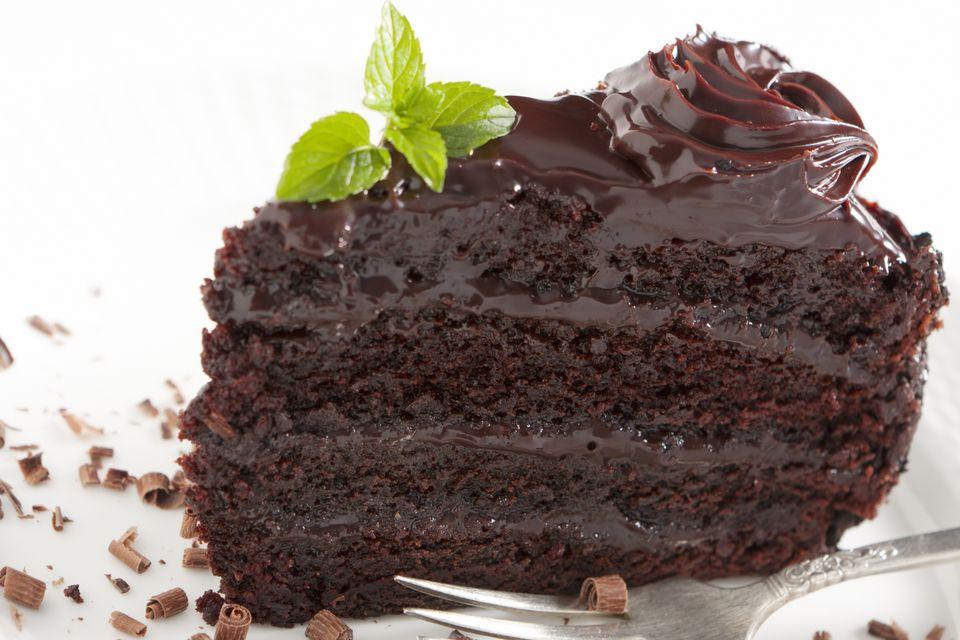 Chocolate cake with ganache icing