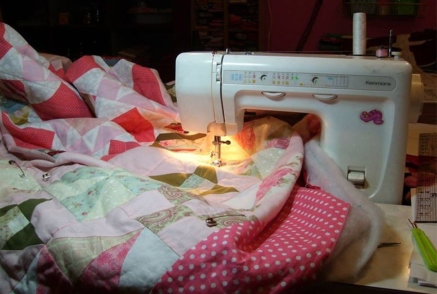 How To Baste A Quilt With Safety Pins